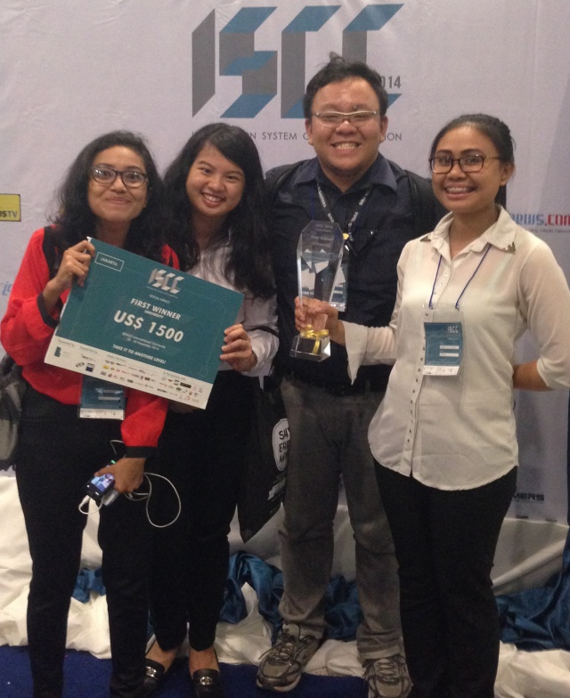 Team Levato (from left: Wieda (IS - Accounting Binusian 2017), Carissa G (IS Smart Class Binusian 2016), Fredy Jingga (Coach), Femme L. H. Sabaru (IS Smart Class Binusian 2015)