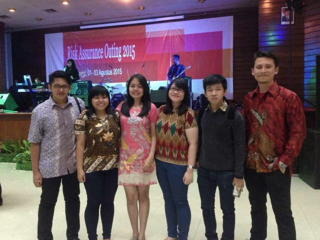 With Ella, Paulus, Fenny, Raessal and Septo at The Hills Bukittinggi Hotel & Convention